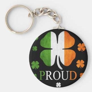Trébol irlandés de la hoja de la bandera cuatro llavero redondo tipo pin