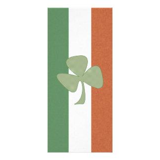 Trébol irlandés del verde y del oro lona publicitaria
