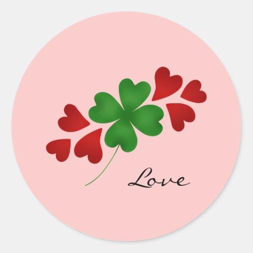 Trébol romántico y corazones del día de St Patrick Pegatina Redonda