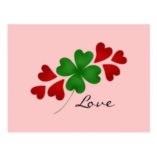 Trébol romántico y corazones del día de St Patrick Postales