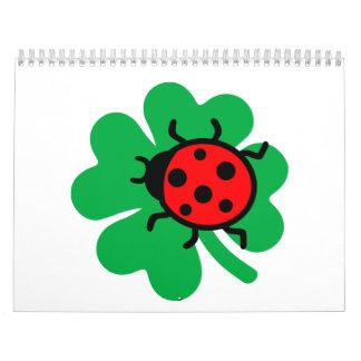Trébol verde de la mariquita calendario