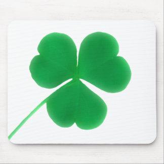 Trébol verde irlandés del día de St Patrick Alfombrilla De Ratones