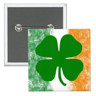 Trébol y bandera irlandesa pin cuadrado
