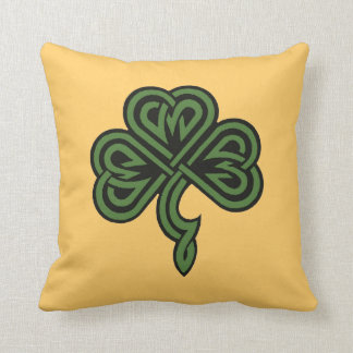 trébol y bendición irlandesa cojines