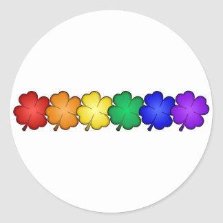 Tréboles de la hoja del arco iris cuatro pegatina redonda