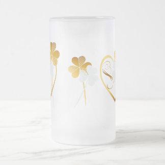 Tréboles de la plata y del oro taza de cristal
