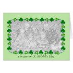 Tréboles del día de poco St Patrick (parte movible Felicitación