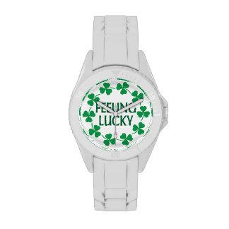 Tréboles que sienten afortunados reloj