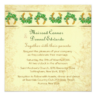 Tréboles y boda irlandés del oro invitación 13,3 cm x 13,3cm