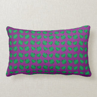 Tréboles y corazones verdes púrpuras cojín lumbar
