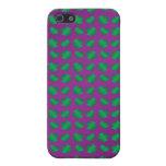 Tréboles y corazones verdes púrpuras iPhone 5 funda