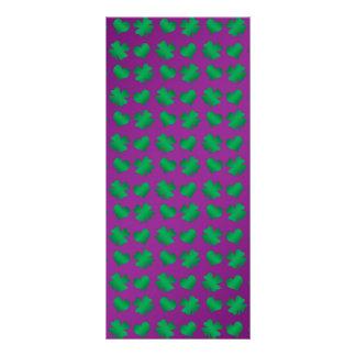 Tréboles y corazones verdes púrpuras tarjetas publicitarias a todo color