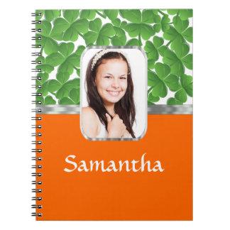 Tréboles y naranja cuaderno