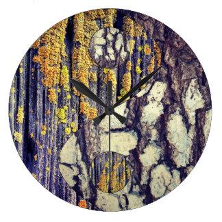 Tree Bark Yin Yang Clock