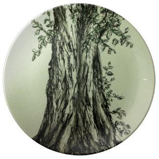 Tree Trunk Plate
