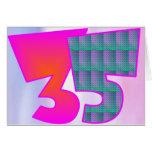 Treinta y cinco tarjetas de cumpleaños