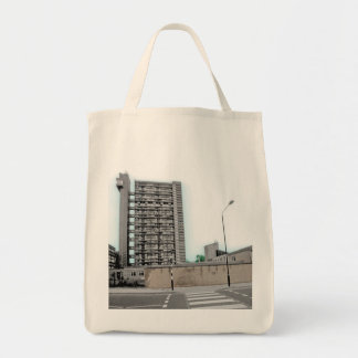 TRELLICK TOWER IN LONDON - URBAN CHIC TOTE BAG