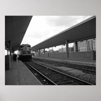 Tren adentro en el centro de la ciudad poster