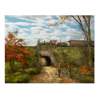 Tren - Arlington, NJ - disfrutar del día del otoño Postal