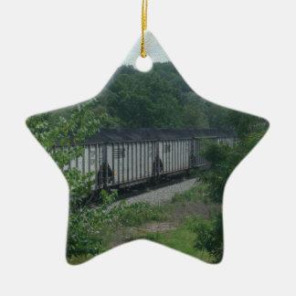 Tren cargado del carbón adorno navideño de cerámica en forma de estrella