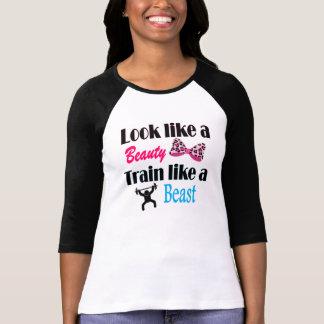 Tren como un parecer de la belleza una bestia camisetas