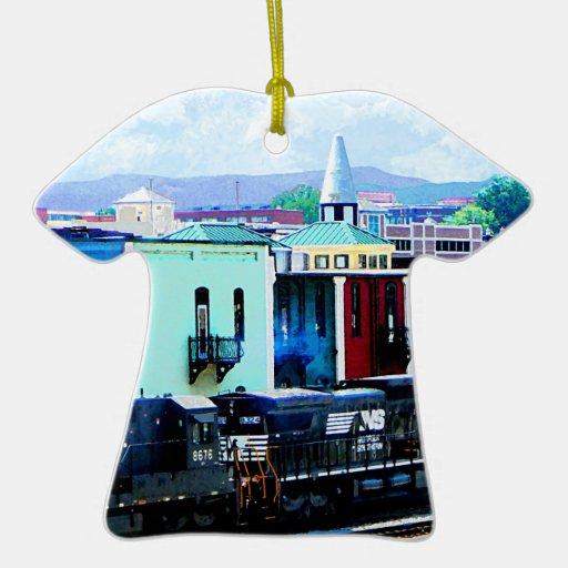 Tren con dos locomotoras Roanoke, VA Adorno De Reyes