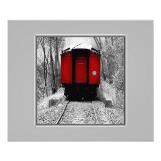 Tren de ferrocarril negro y rojo de la herencia cojinete