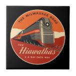 Tren de Hiawatha del camino de Milwaukee Azulejo Cuadrado Pequeño