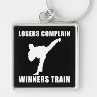 Tren de los ganadores de los artes marciales llavero cuadrado plateado