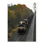 Tren del carbón del otoño tarjeta postal