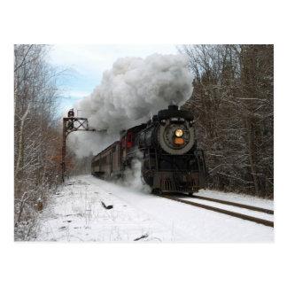 Tren del vapor en invierno tarjeta postal