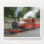 Tren del vapor en la isla de Douglas del hombre Mousepads