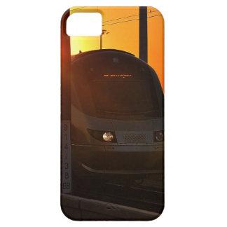 Tren en la puesta del sol iPhone 5 Case-Mate fundas