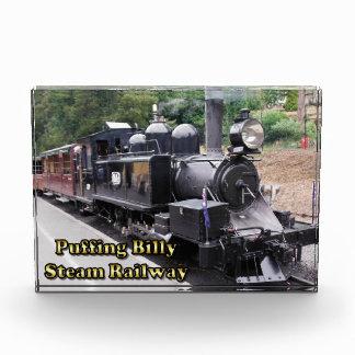 Tren histórico del vapor de Billy que sopla en Aus