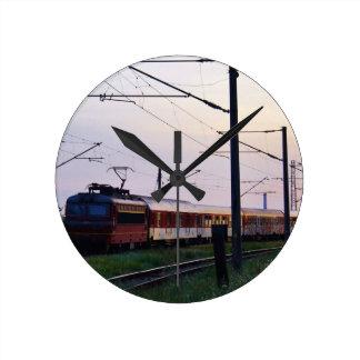 Tren local en Bulgaria Reloj De Pared