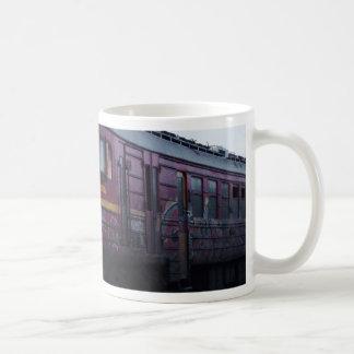 Tren pintado pintada taza