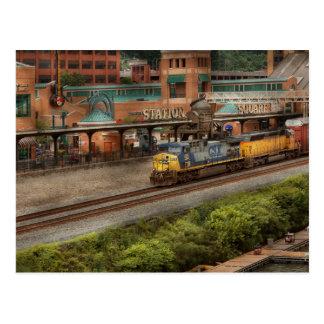 Tren - Pittsburg, PA - cuadrado de la estación Postales