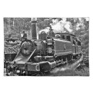 Tren viejo del motor de vapor blanco y negro mantel