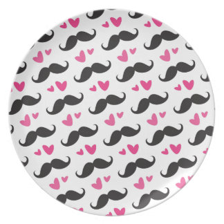 Trendy black mustache pattern with pink hearts dinner plate