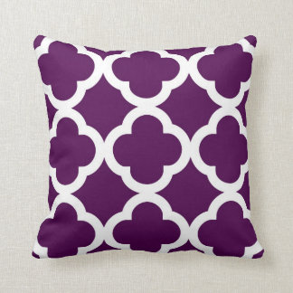 Trendy Clover Pattern in Plum and White Pillows