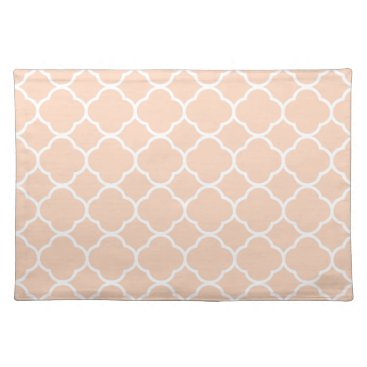 USA Themed Trendy Placemat Quaterfoil creamy peach white