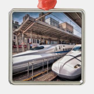 Trenes de bala japoneses en la estación de Tokio Adorno Navideño Cuadrado De Metal