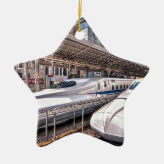 Trenes de bala japoneses en la estación de Tokio Adorno Navideño De Cerámica En Forma De Estrella