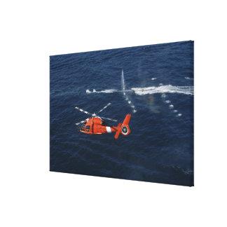 Trenes de un equipo del helicóptero lienzo envuelto para galerías