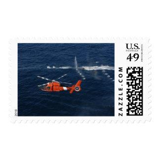 Trenes de un equipo del helicóptero sello postal