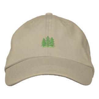 Tres árboles de hoja perenne gorras bordadas