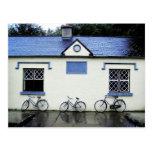 Tres bicicletas en el condado Clare, Irlanda