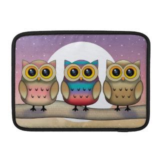 Tres búhos lindos y una manga del iPad de la Luna  Funda Para Macbook Air