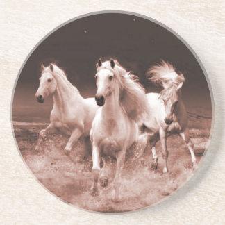 Tres caballos blancos posavasos diseño
