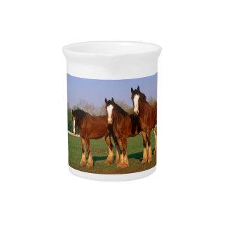 Tres caballos de Brown Jarras